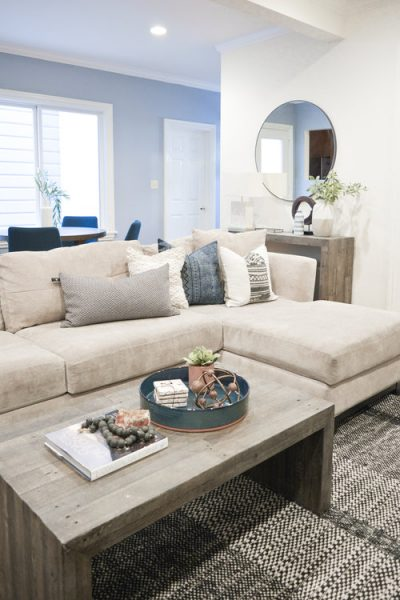 Ottomans And Coffee Table A Complete Guide Roomhints Com