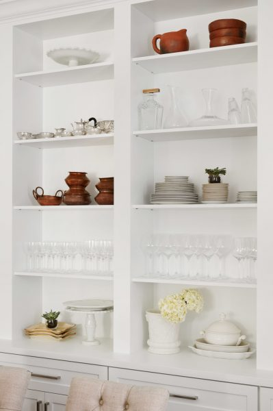 how to style a bookshelf, shelf styling, white built ins, white built in bookshelf