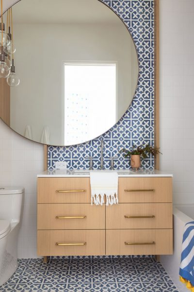 blue spanish tile, spanish tile, bathroom tile, bathroom backsplash