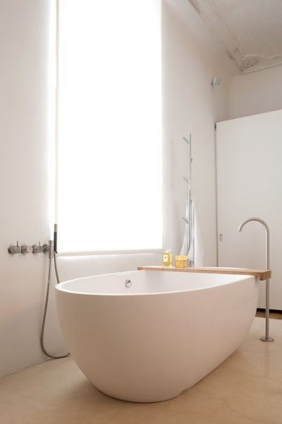 freestanding tub, modern bathtub, modern bathroom, freestanding tub faucet