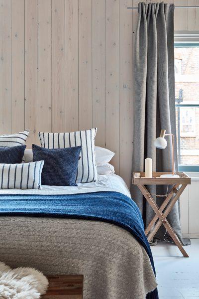 vertical shiplap bedroom design