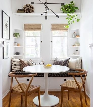 Tulip Table and Chairs for dining room
